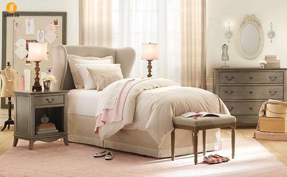 Cream pink gray girls room 665x411 دکوراسیون های داخلی اتاق خواب دخترانه