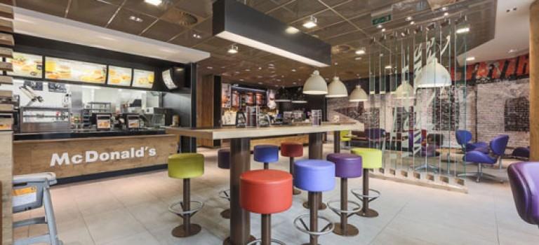 طراحی داخلی شعبه رستوران مک دونالد در مسکو