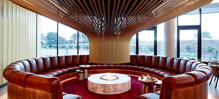 شومینه چوبی برای لابی هتل و …