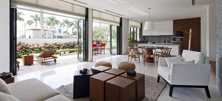 معماری و دکوراسیون داخلی ویلا، انتقال نرم از فضای داخلی به بیرونی + پلان