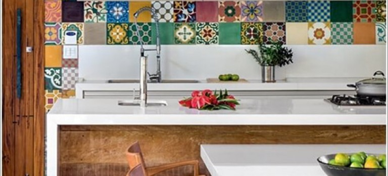 آشپزخانه تان را با رنگ ها زنده کنید