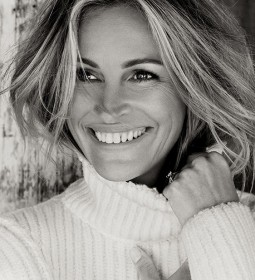 julia-roberts-by-tom-munro-for-allure-october-2015-3
