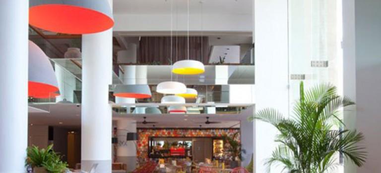 طراحی داخلی هتل QT Hotel Gold Coast