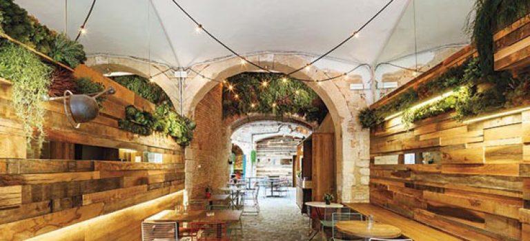 طراحی داخلی رستوران به سبک قرن ۱۶