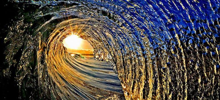 عکاسی هفته: شکست موج در ساحل دریا