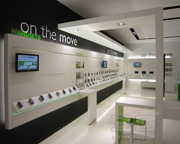 دکوراسیون داخلی فروشگاه موبایل