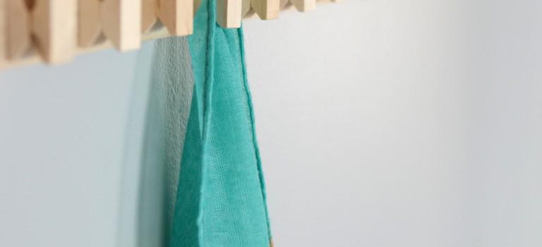 به کمک گیره برای خودتان چوب لباسی درست کنید!