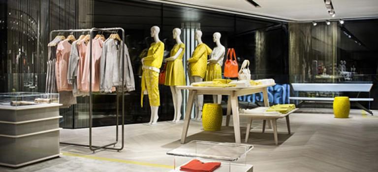 دکوراسیون داخلی فروشگاه تجاری برند modissa