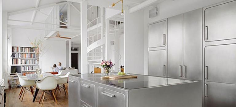 طراحی و دکوراسیون داخلی آشپزخانه از جنس استیل
