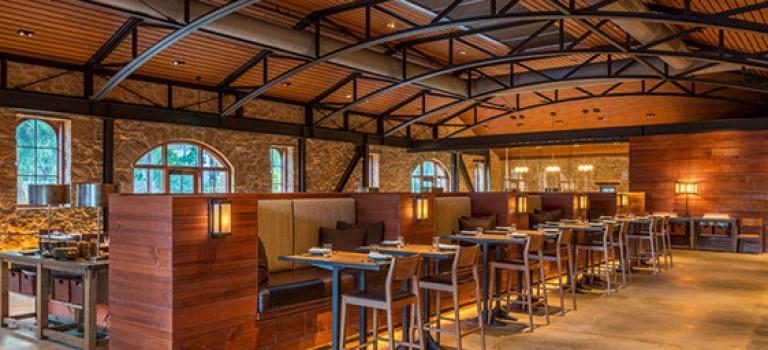 تبدیل انبار قدیمی به رستورانی به سبک روستایی