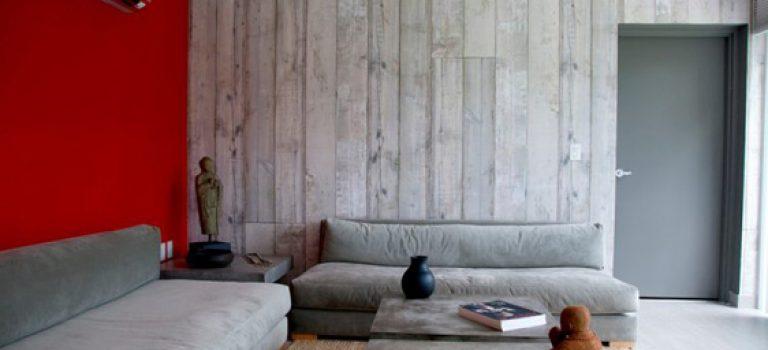 نشیمن هایی با پانل های دیواری چوبی و شیک