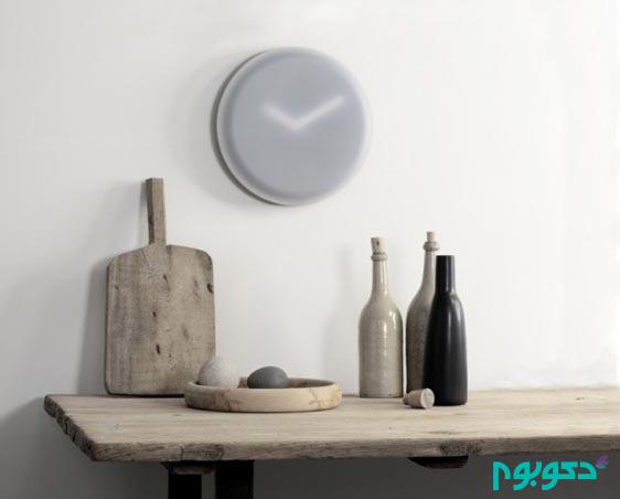 plastic-wall-clock-600x483
