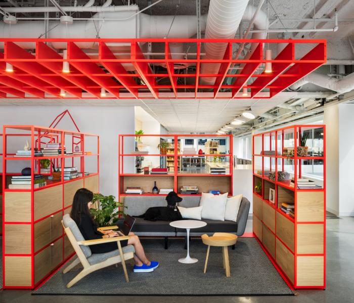 طراحی داخلی دفتر اداری انعطاف پذیر