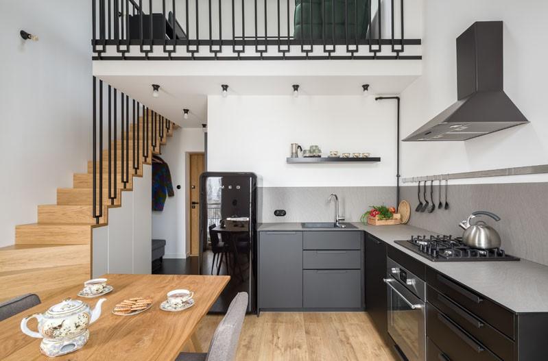 خانه ای دوبلکس شامل نیم طبقه