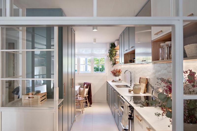 دکوراسیون آشپزخانه پس از بازسازی خانه